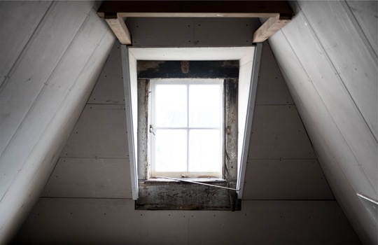 wall-house-window-loft-medium