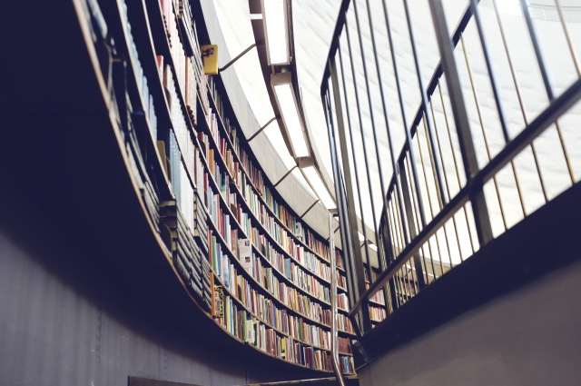 Bibliothèque- source pexels