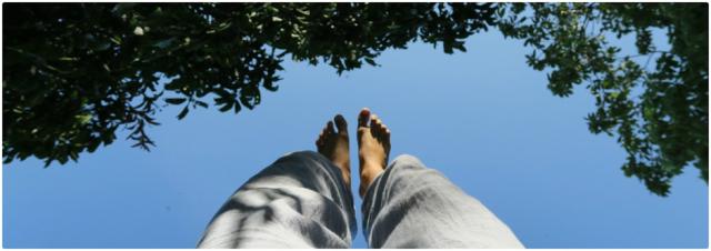 Yoga pieds en l'air