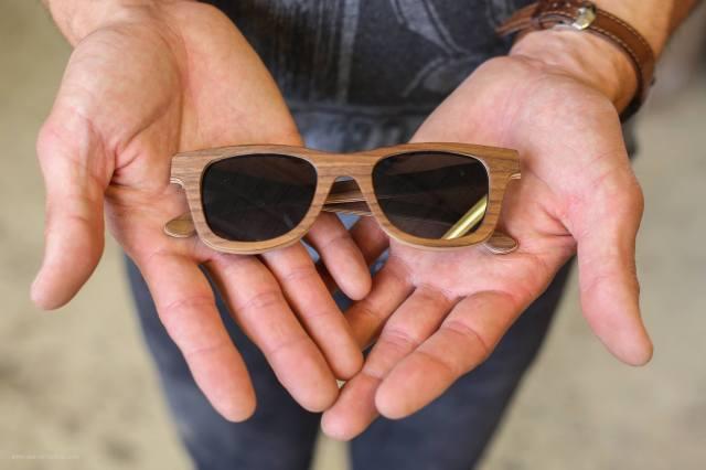 mains-lunette